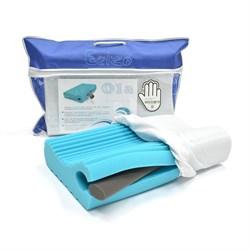 Подушка с эффектом памяти Memory Foam Ola c анатомическими валиками, ребристой поверхностью и съемным валиком